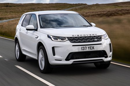Land Rover Discovery Sport 2020 front tracking