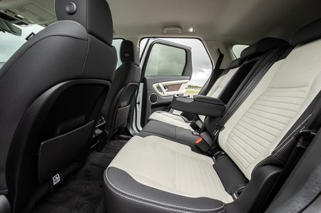 Land Rover Discovery Sport 2020 rear seats