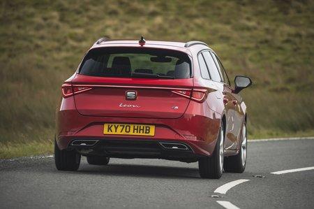 Seat Leon Estate 2020 rear tracking