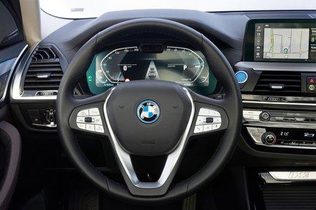 BMW iX3 2020 dashboard