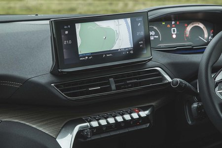 Peugeot 5008 2020 Infotainment