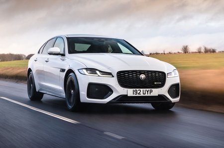Jaguar XF 2021 front tracking