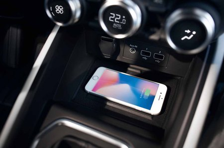 Renault Clio 2019 LHD launch car centre console