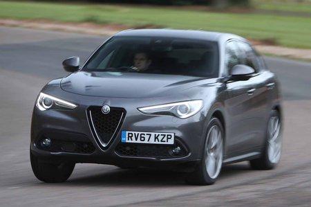 Alfa Romeo Stelvio 67 front left cornering
