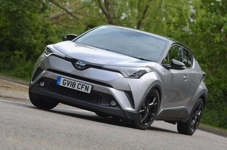 Toyota C-HR 2018 left front cornering