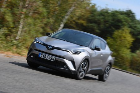 Toyota C-HR 2017 left front cornering