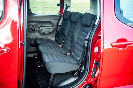 Vauxhall Combo Life 2019 RHD rear seats