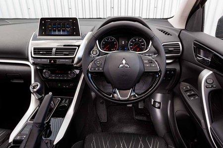 Mitsubishi Eclipse Cross 2019 dashboard