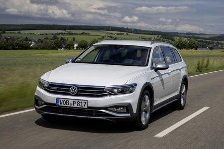 Volkswagen Passat Alltrack 2019 front tracking