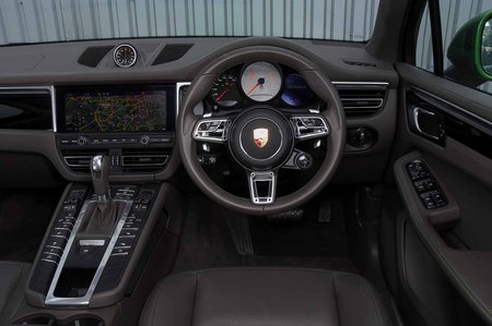 2019 Porsche Macan RHD dash
