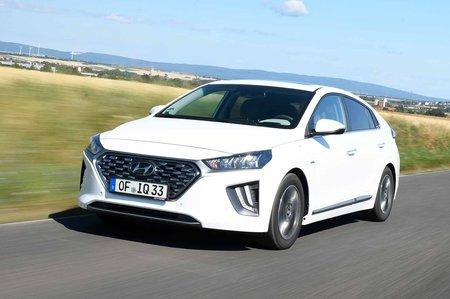 Hyundai Ioniq Hybrid 2019 front tracking