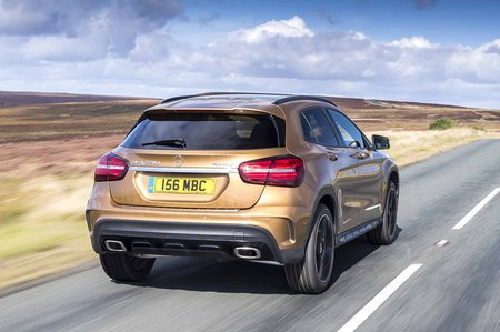 Mercedes-Benz GLA 2017 rear tracking