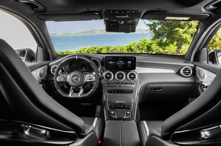 Mercedes-AMG GLC 63 Facelift 2019 dashboard