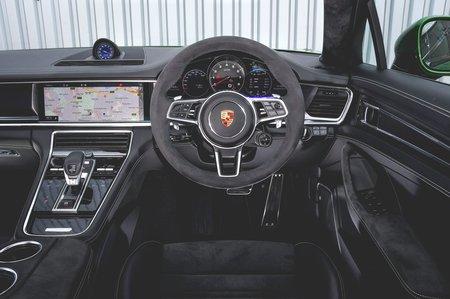 Porsche Panamera GTS 2019 RHD dashboard
