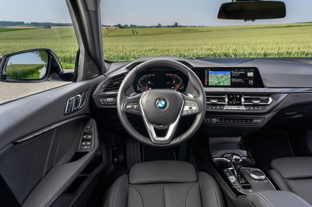 BMW 1 Series 2019 LHD dashboard