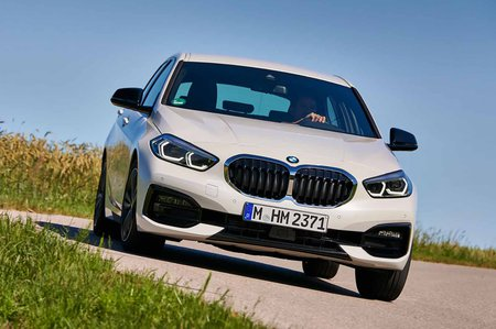 BMW 1 Series 2019 front cornering