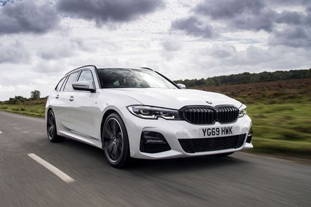 BMW 3 Series Touring 2019 RHD front tracking