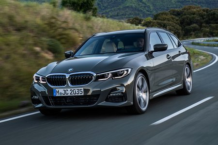 BMW 3 Series Touring 2019 launch front tracking