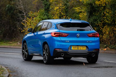 BMW X2 2019 right rear tracking shot
