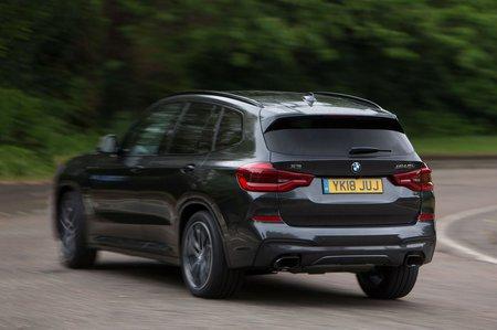 BMW X3 2021 M40i rear tracking