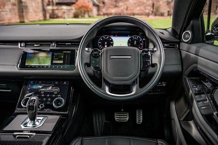 Range Rover Evoque 2019 RHD dash