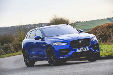 Jaguar F-Pace 2018 front tracking pic