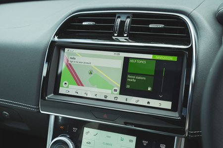 Jaguar XE 2019 RHD infotainment