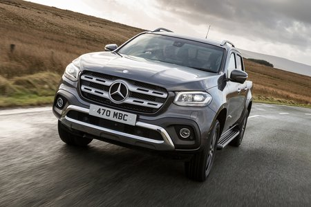 Mercedes-Benz X-Class 2019 front tracking