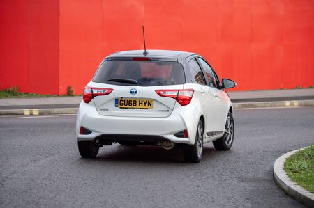 Toyota Yaris 2018 rear tracking