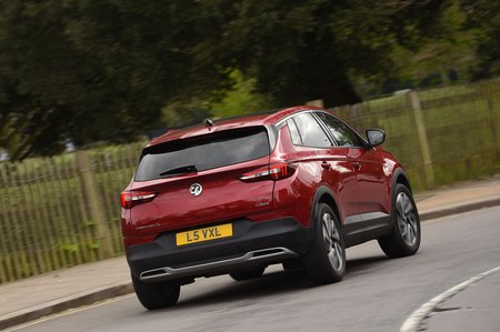 Vauxhall Grandland X 2019 rear right cornering shot