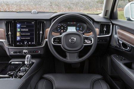 Volvo V90 2018 RHD dashboard