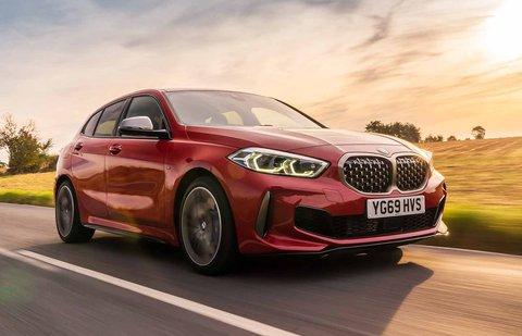 BMW M135i xDrive 2019 RHD press front tracking