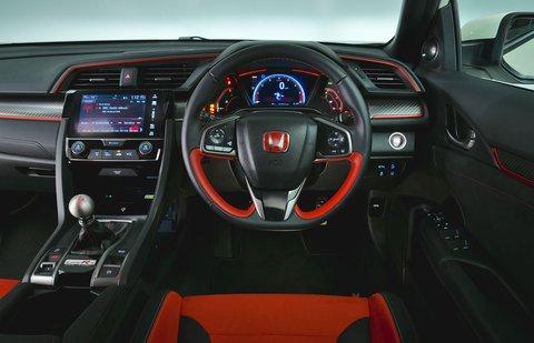 Honda Civic Type R 2019 RHD dashboard