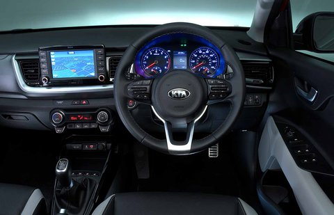 Kia Stonic 2019 RHD dashboard