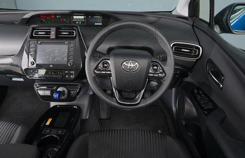 Toyota Prius 2020 RHD dashboard