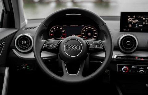 Audi Q2 2020 dashboard