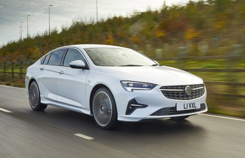 Vauxhall Insignia 2021 front tracking