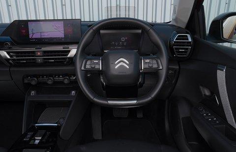 Citroën C4 2021 interior dashboard