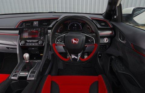 Honda Civic Type R 2021 interior dashboard
