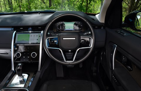 Land Rover Discovery Sport 2021 interior dashboard