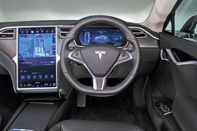 New Porsche Panamera vs Tesla Model S