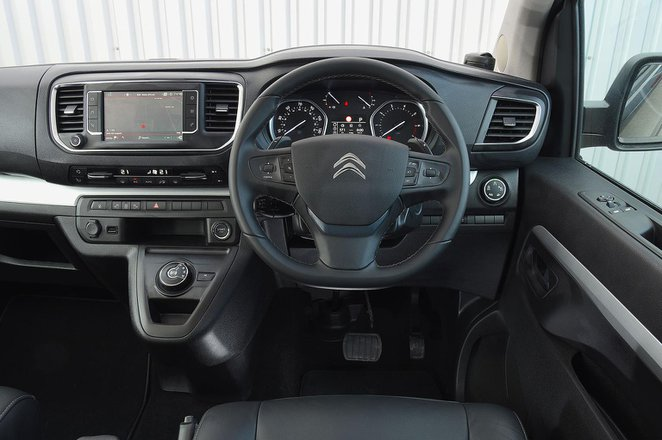 Citroën Spacetourer 2021 interior dashboard