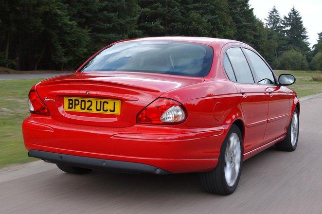 Jaguar X-Type (01 - 10)