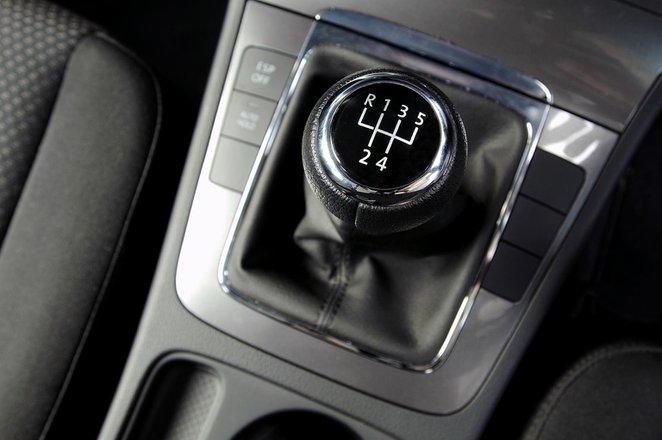 Volkswagen Passat Estate 05 - 15