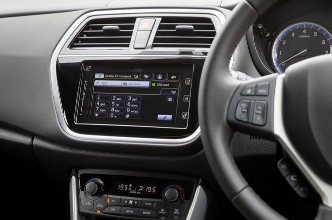 Suzuki S-Cross Hybrid interior infotainment