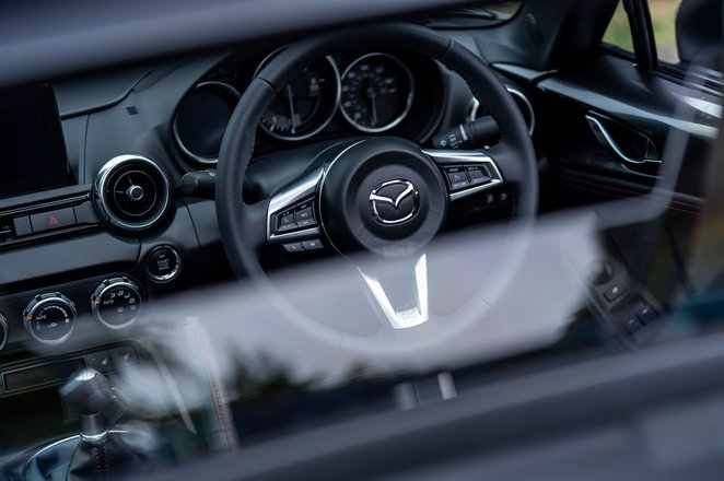 Mazda MX-5 RF dashboard