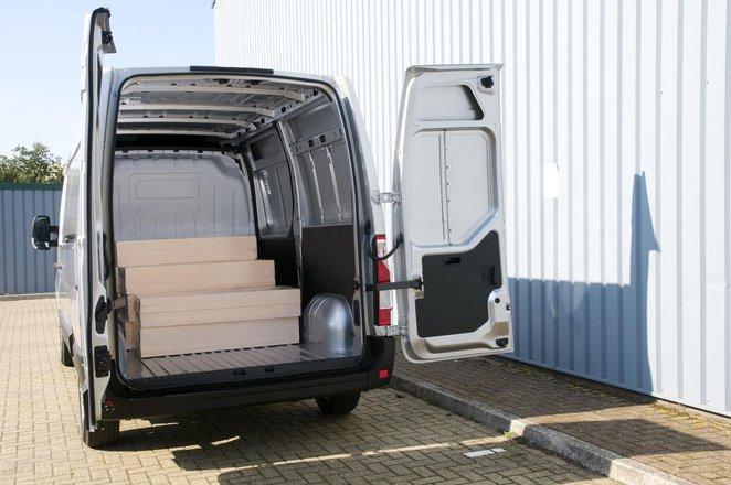 Nissan NV400 load bay