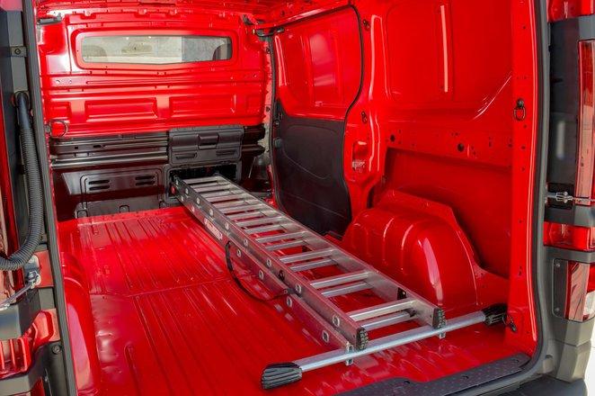 Nissan NV300 rear load space