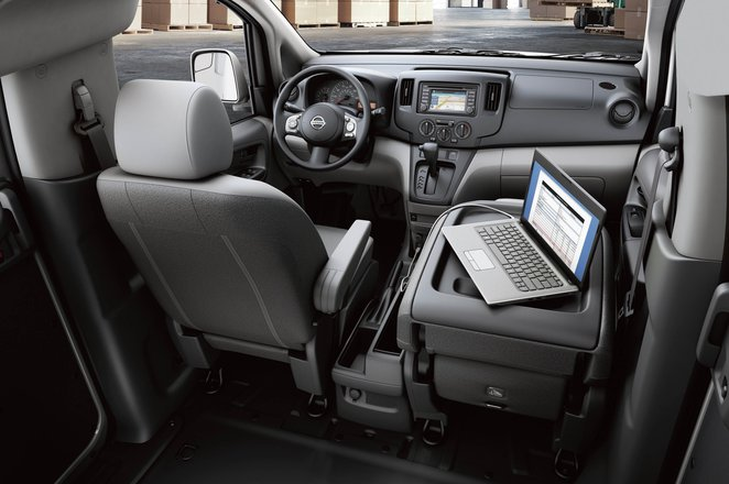 Nissan NV200 front seats and storage