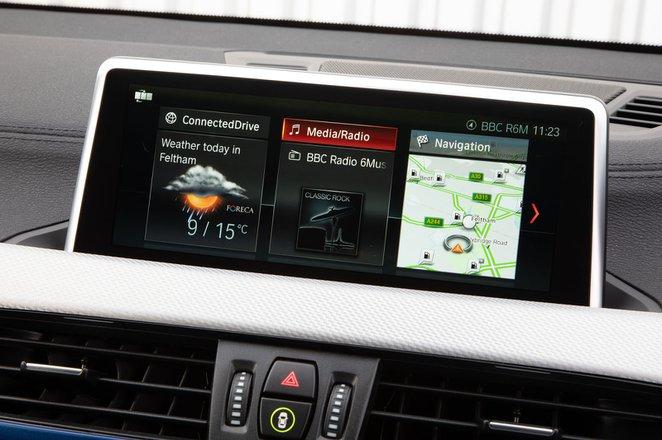 BMW X2 2019 infotainment closeup